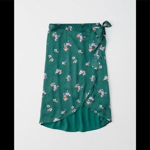Abercrombie satin wrapped floral midi skirt